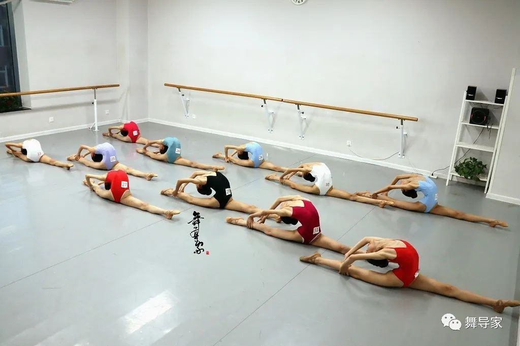 除了北舞上戏,你还能报考哪些舞蹈学校?